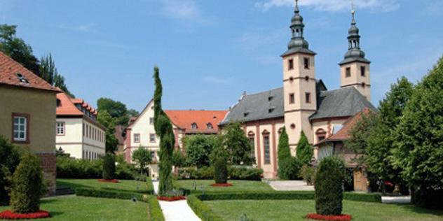 Außenansicht des Klosters Triefenstein der Christusträgerbruderschaft,© Christusträgerbruderschaft / Kloster Triefenstein